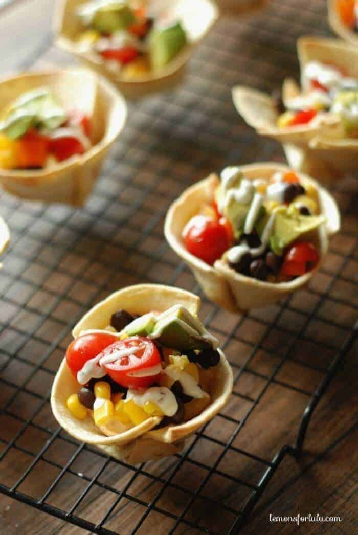 Mini Taco Tortilla Cups by Lemons for Lu Lu | Creative and Yummy No-Sandwich Lunchbox Ideas for back to school.