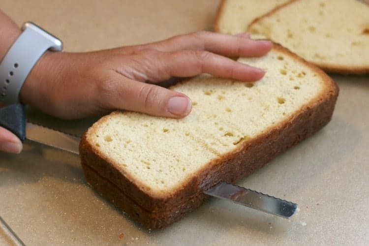 slice the pound cake