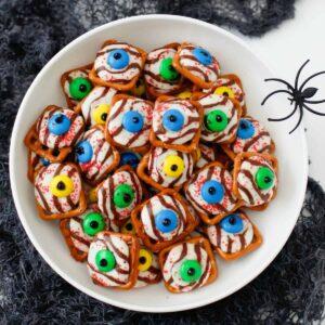 Halloween Pretzel Eyeballs featured image