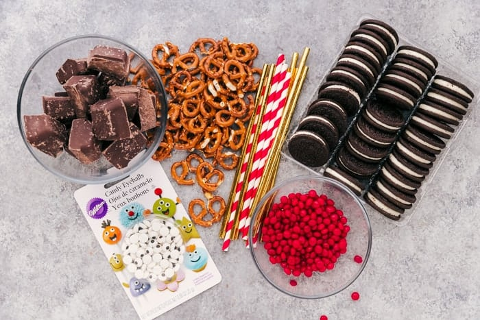 ingredients needed to make reindeer oreo cookies