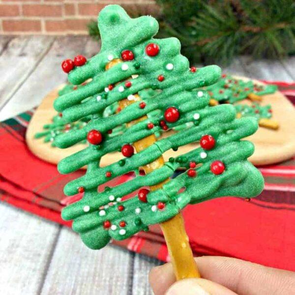 Chocolate Christmas Tree Pretzel square featured