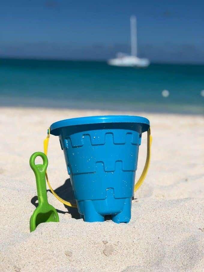 bucket sand