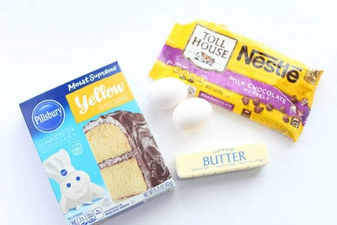 Ingredients needed to make Chocolate Chip Cookie Bars