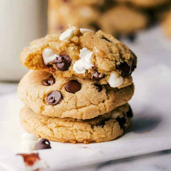 Chocolate chip pudding cookies square