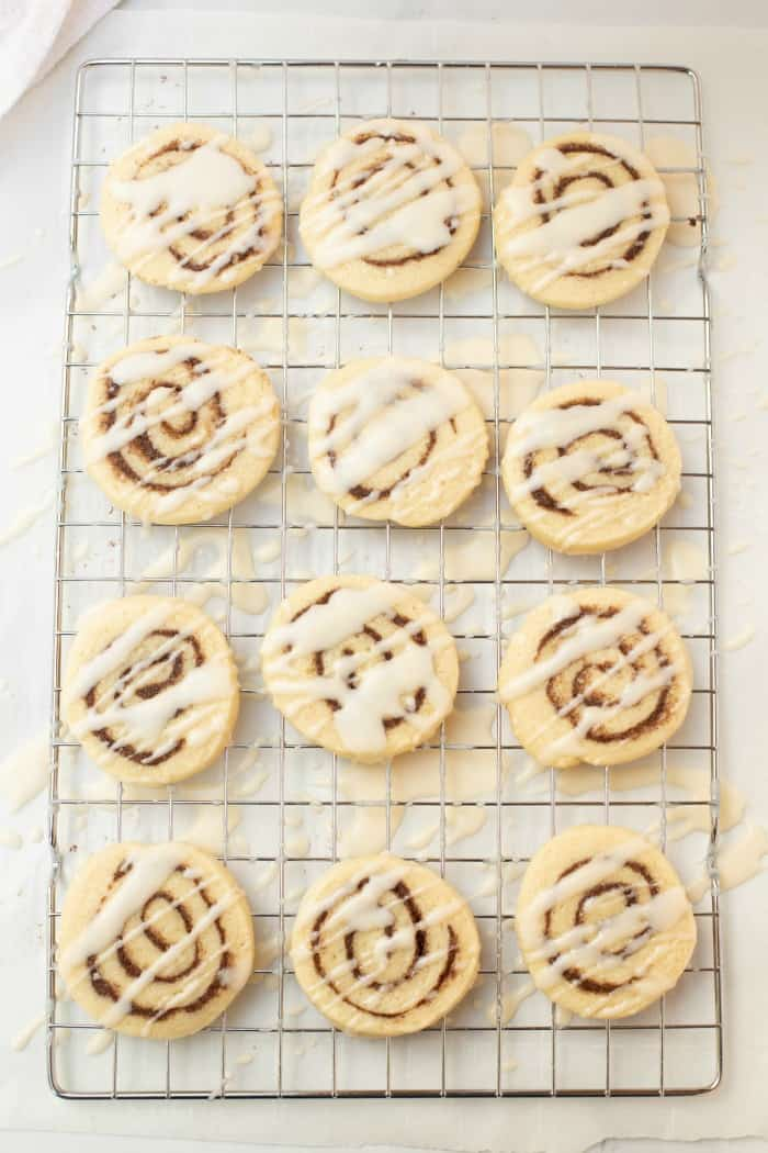 drizzle cookies with icing