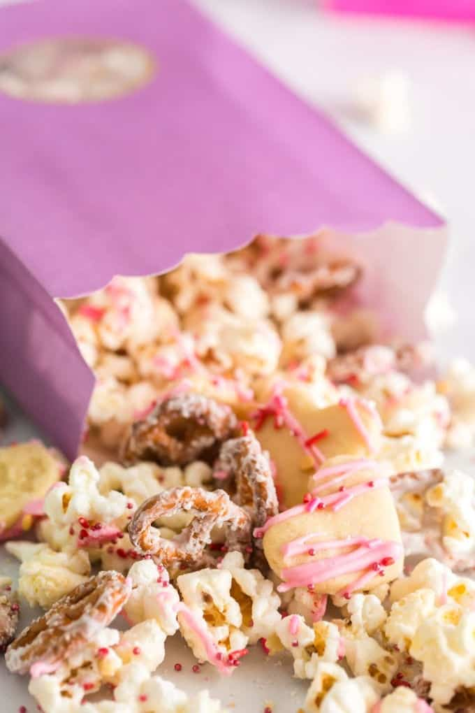 Sugar Cookie Popcorn in a gift bag