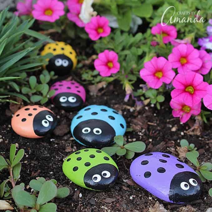 ladybug-painted-rocks-680