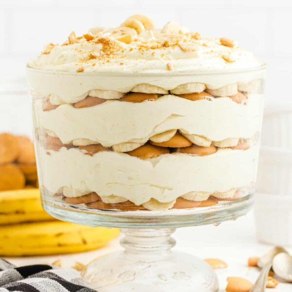 banana pudding in a trifle bowl