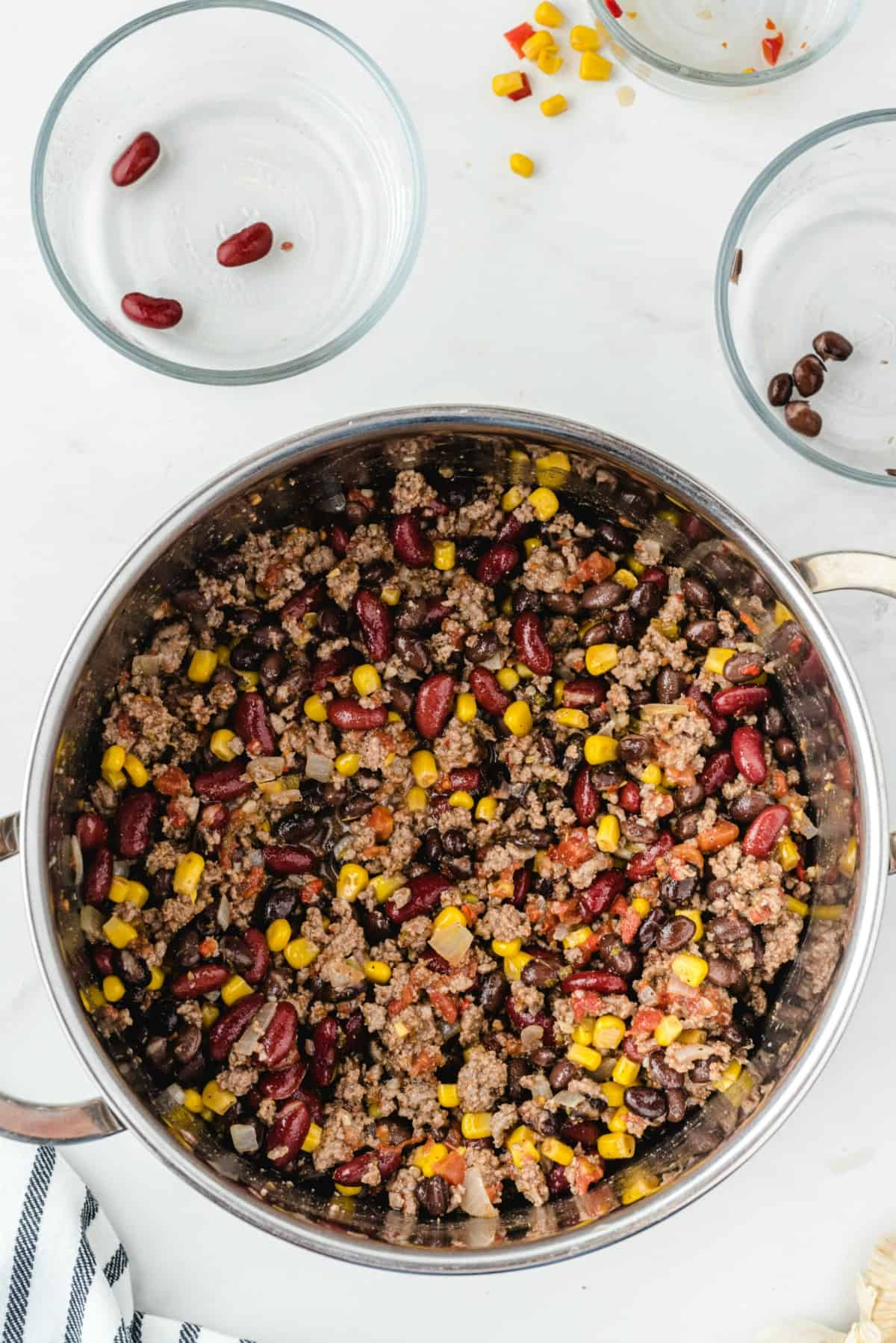 chili in a stock pot