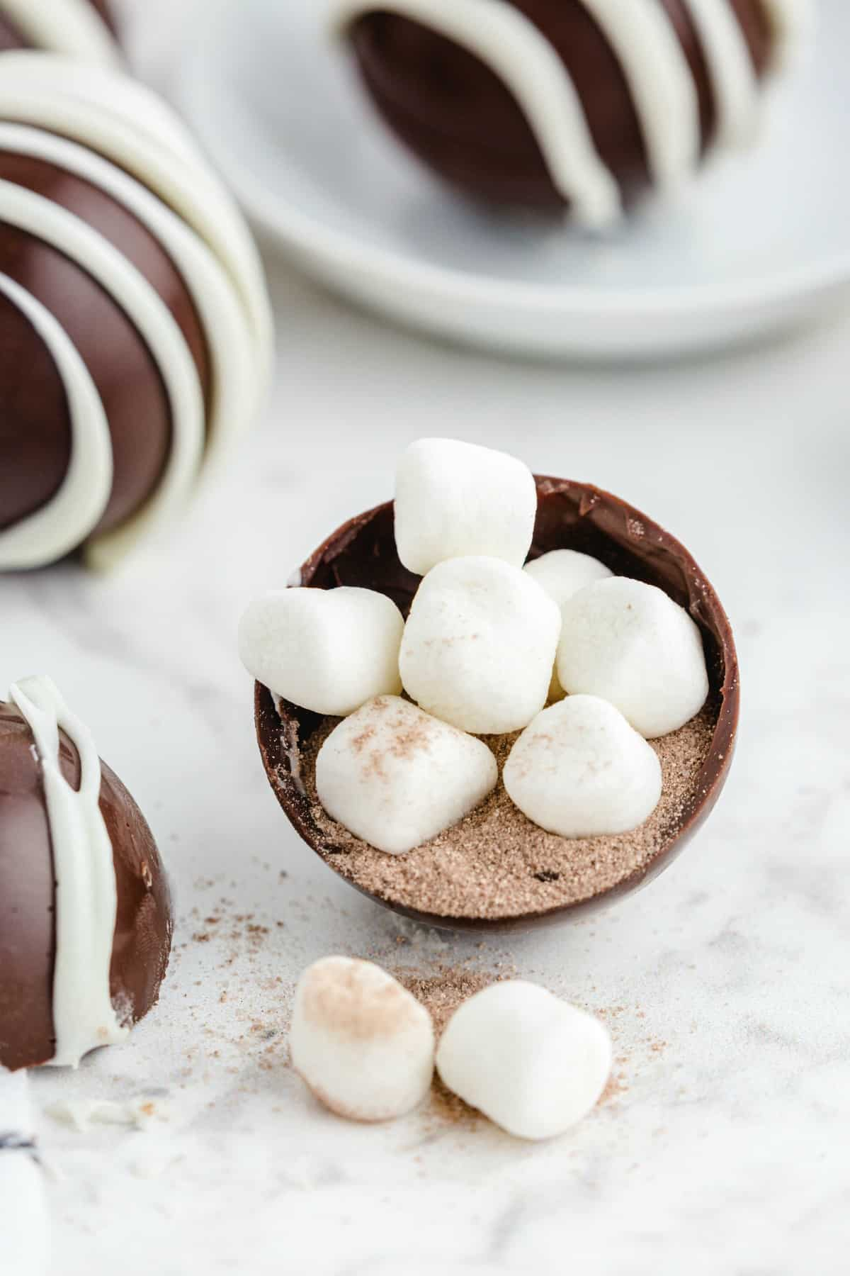 fill bomb with hot chocolate