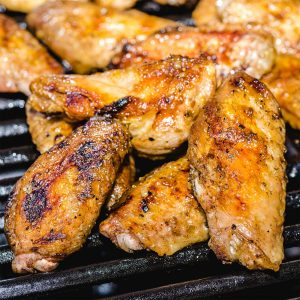 grilled chicken wings featured image