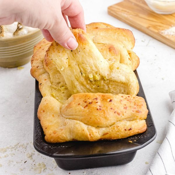 tear and share garlic bread featured image