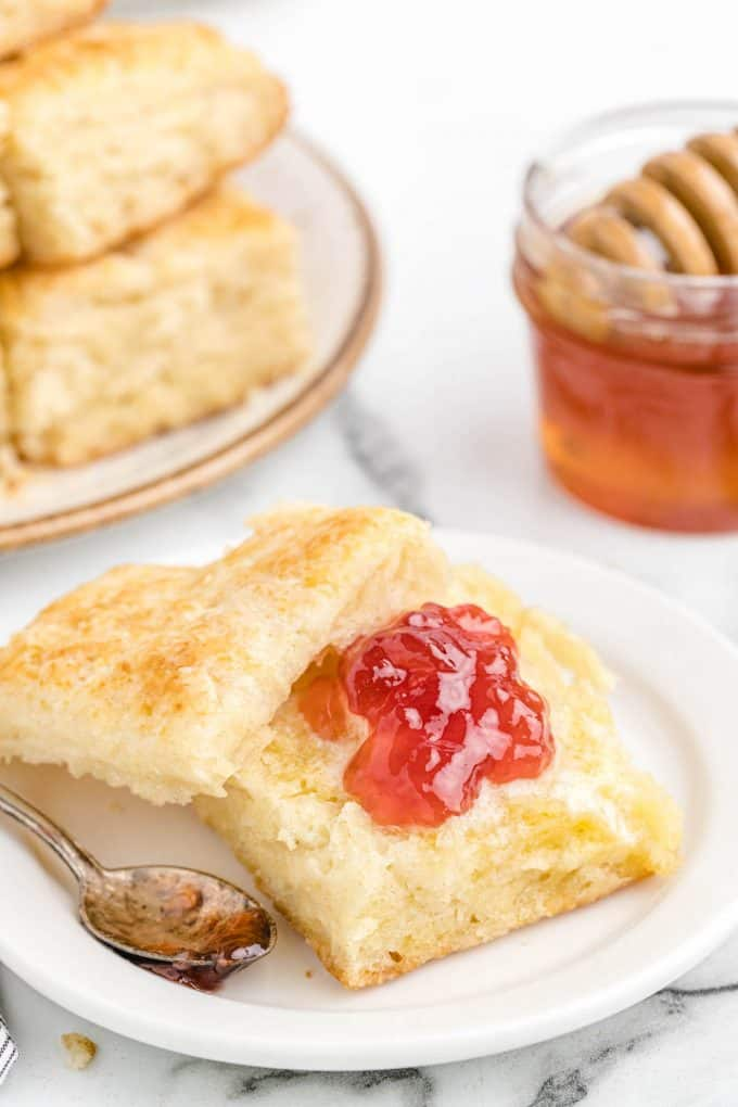 biscuits with jelly or jam