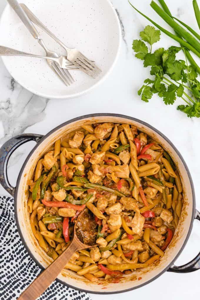 one pot chicken fajita pasta featured image