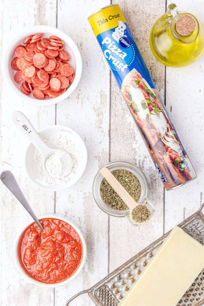 ingredients to make homemade pizza pockets
