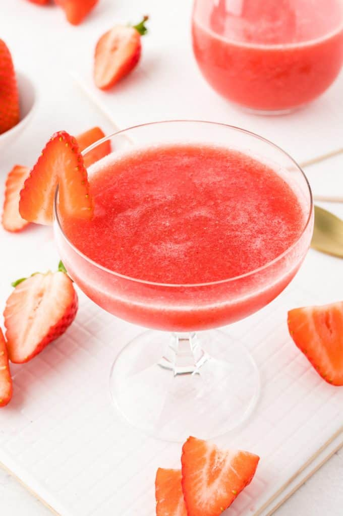 How to Make A Frosé (Rosé Wine Slushie!)