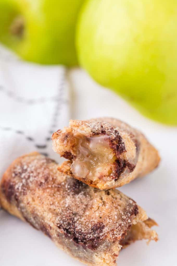 apple pie roll ups hero image