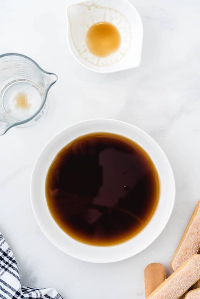 Combining cold espresso and coffee liqueur
