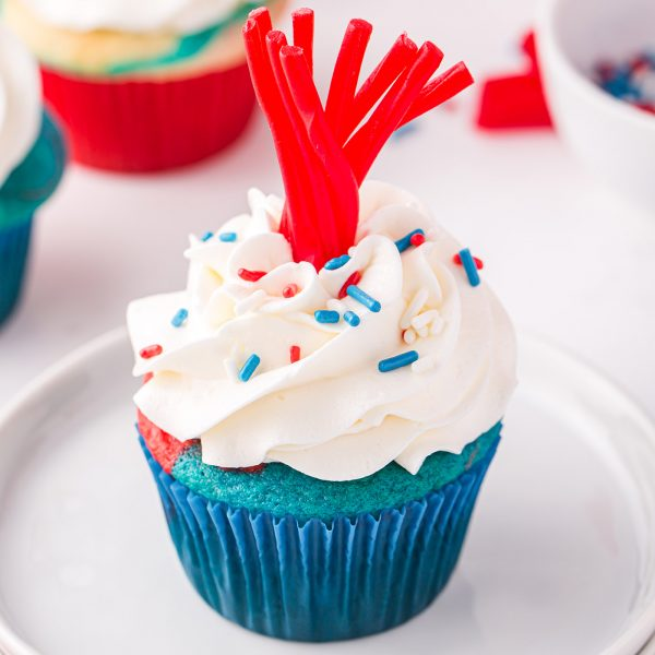 firecracker cupcakes featured image