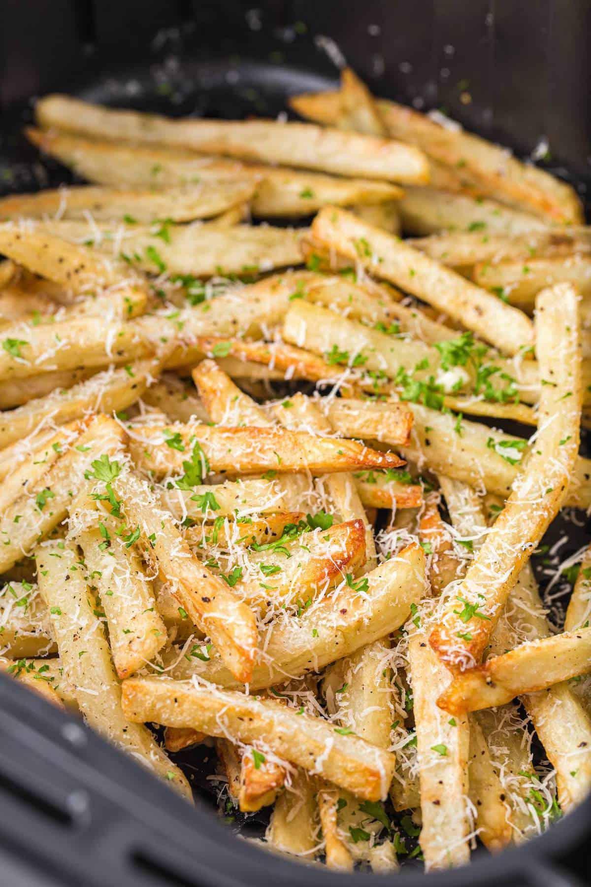 garlic parmesan fries inside the air fryer