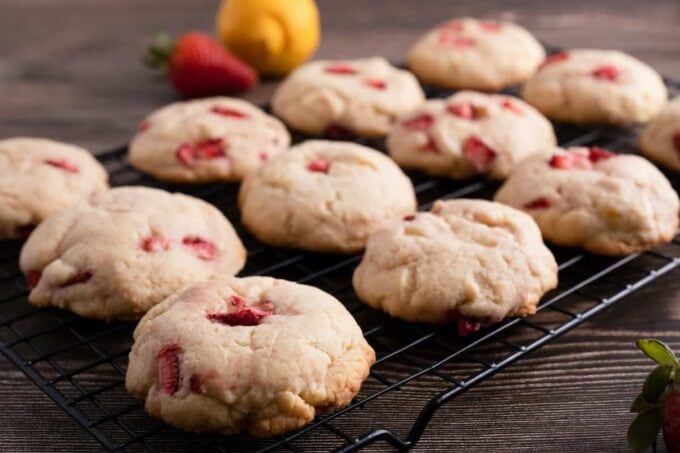 baked strawberry cream cheese cookies