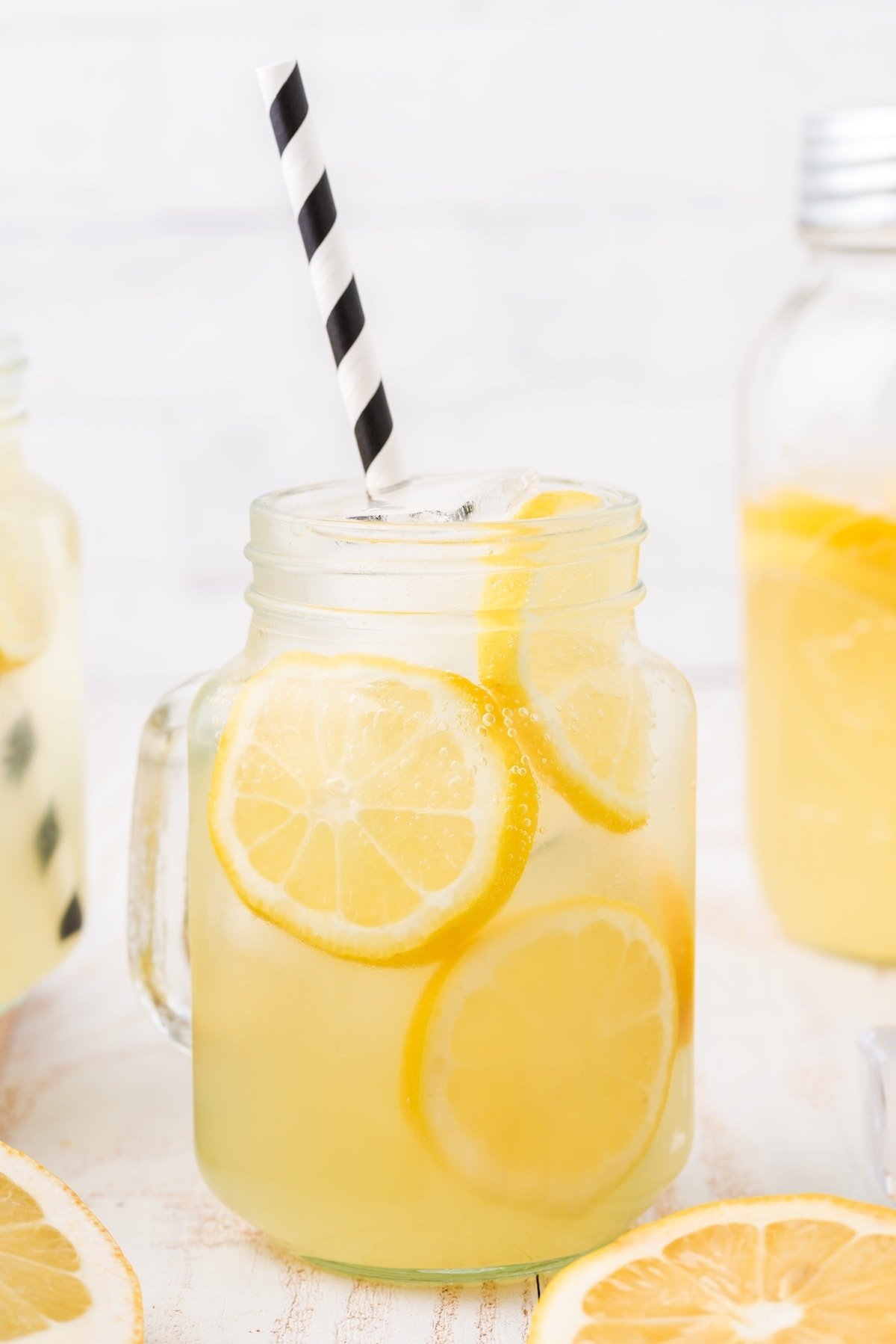 hard lemonade hero image
