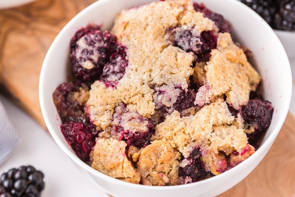 blackberry cobbler in a bowl