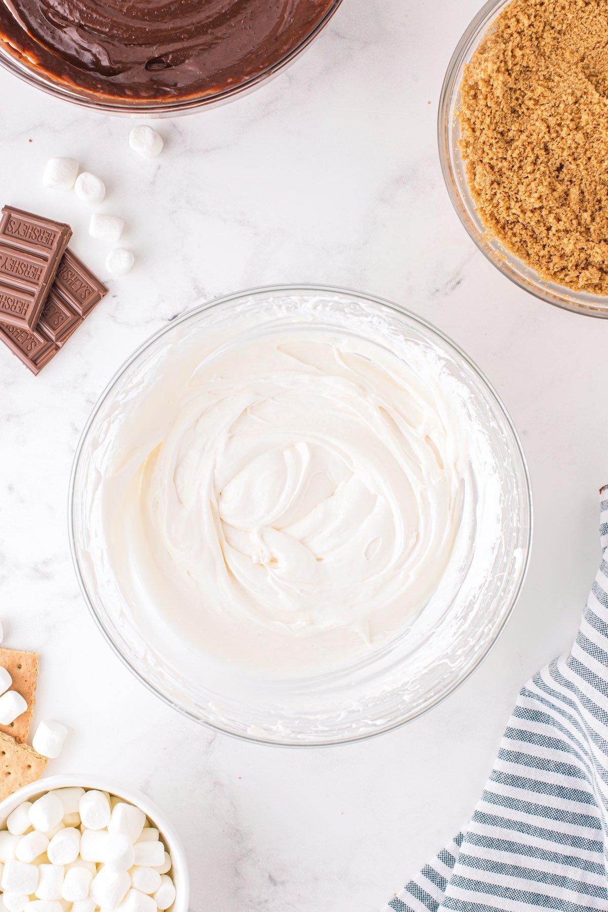 combine marshmallow cream and cream cheese