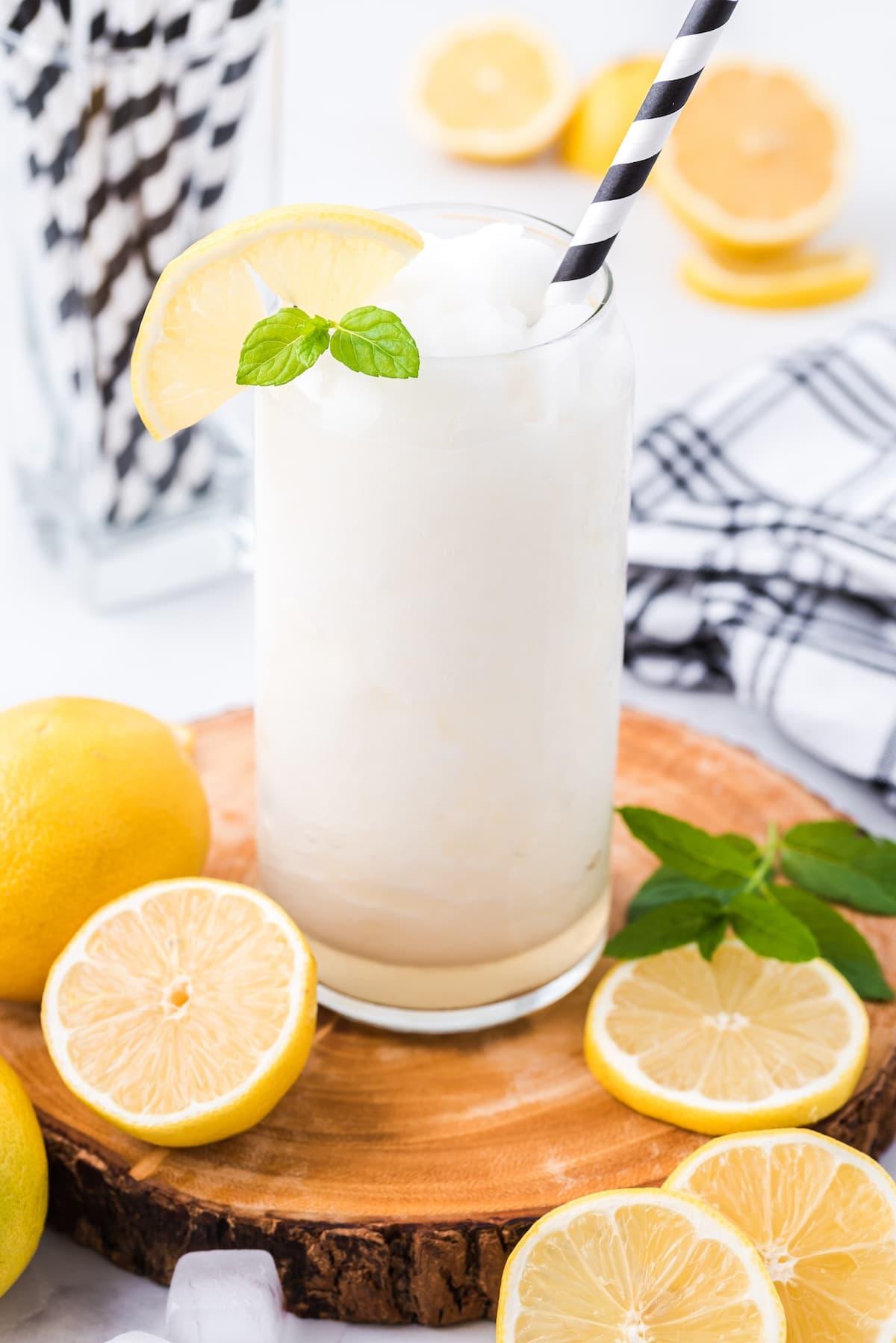 alcoholic frozen lemonade