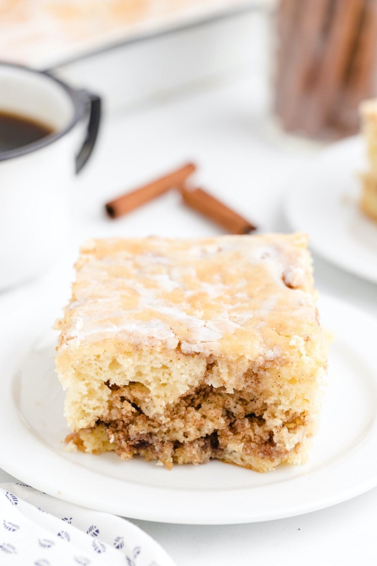 cinnamon roll cake hero image