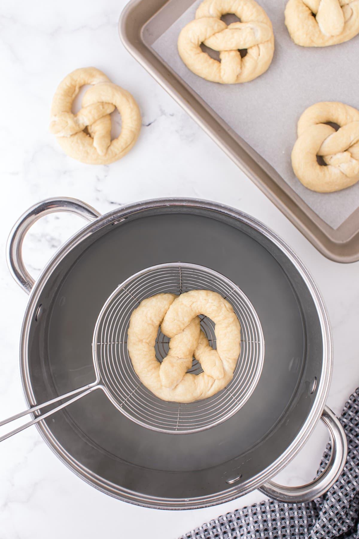 boil the dough in baking soda water