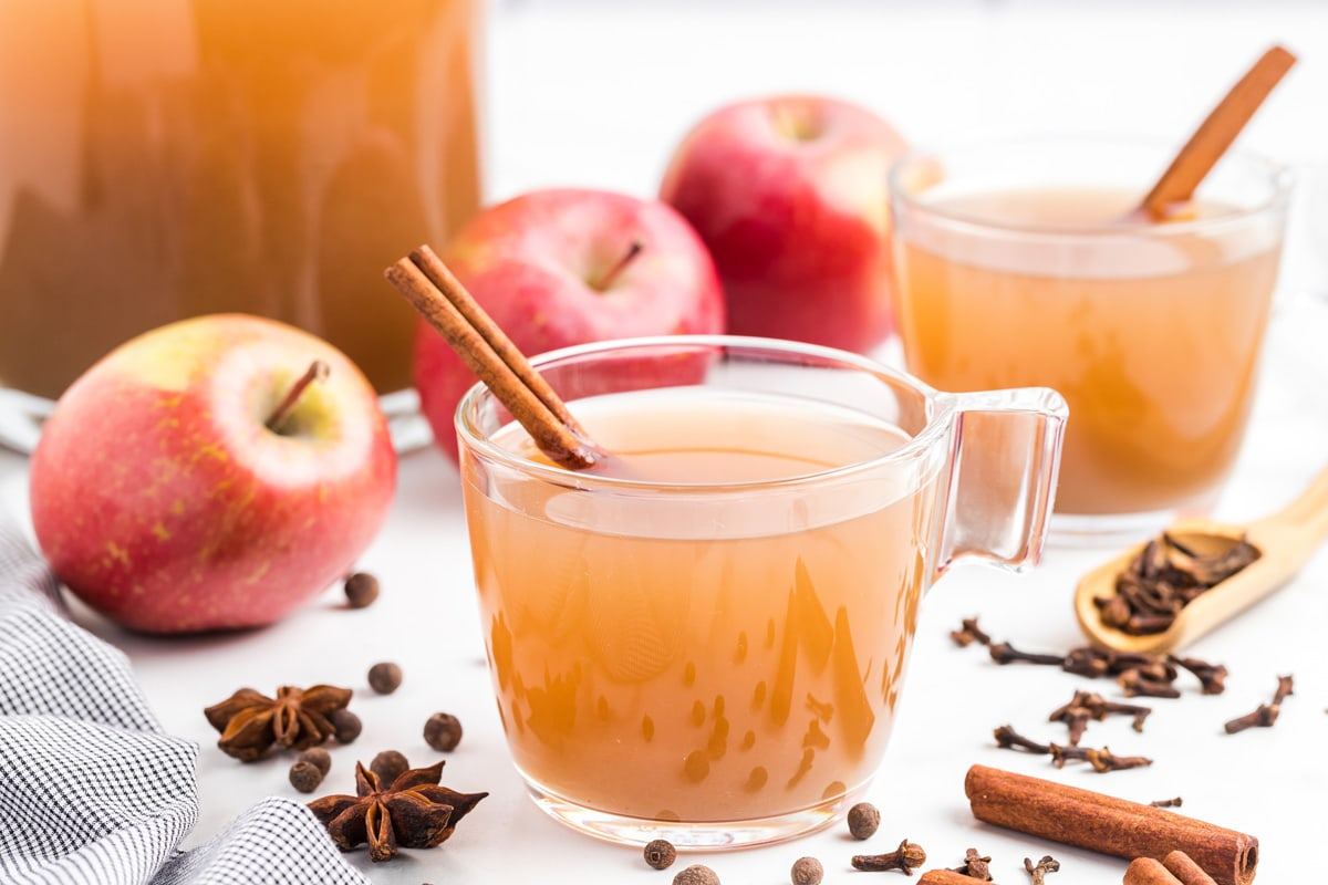 apple cider in a glass