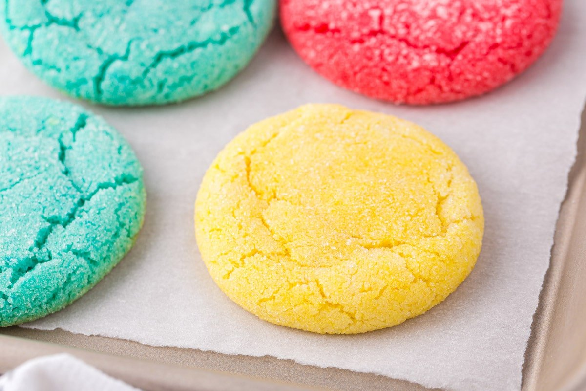zoomed in yellow jello cookies