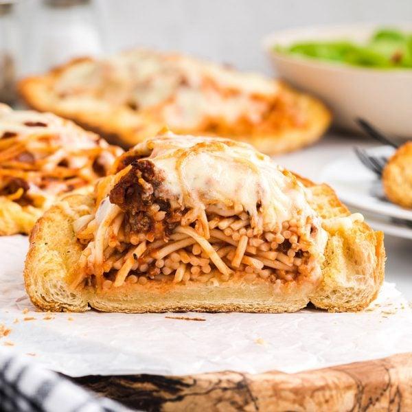 Spaghetti Stuffed Garlic Bread feature image