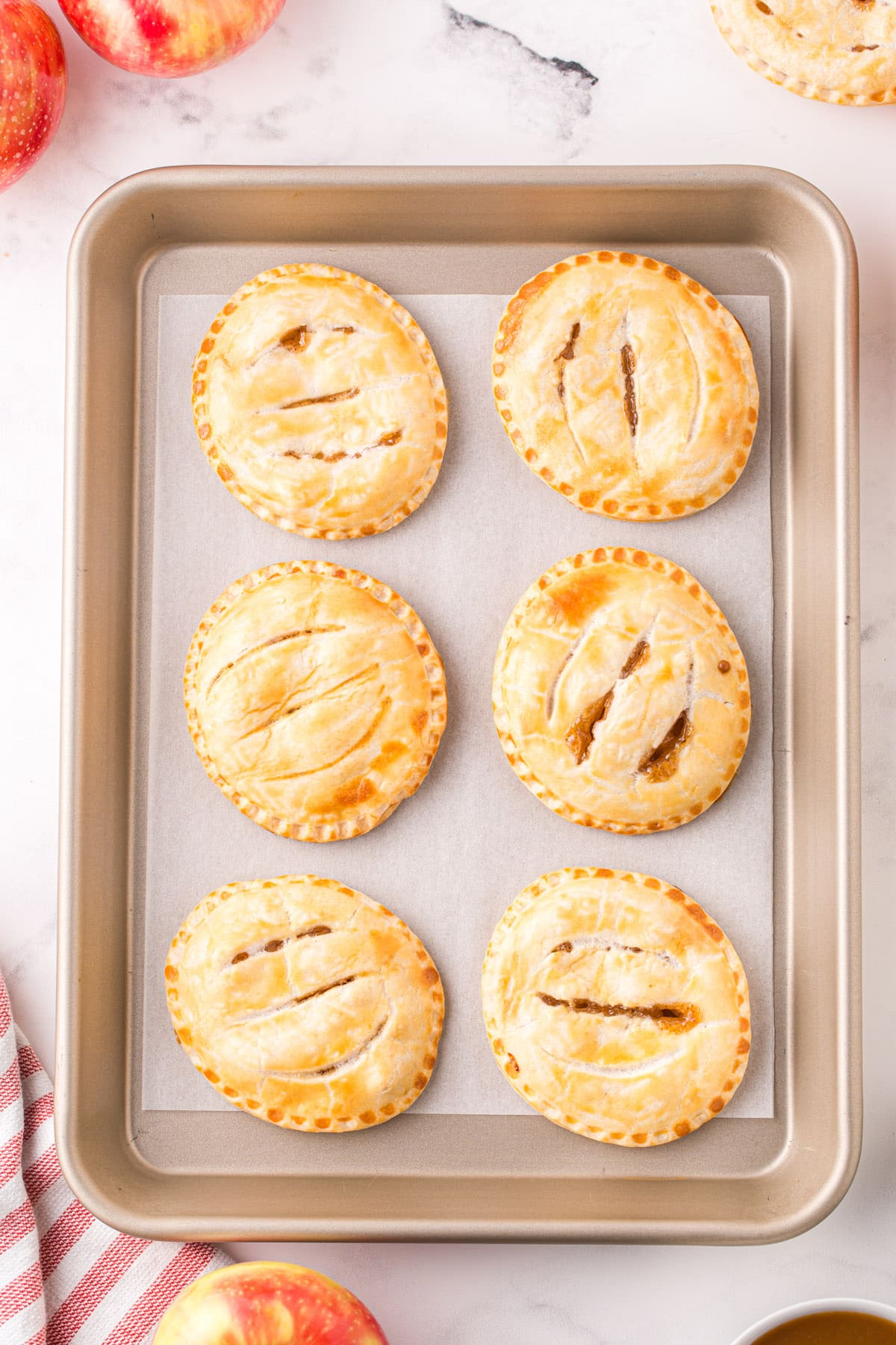 baked apple hand pies