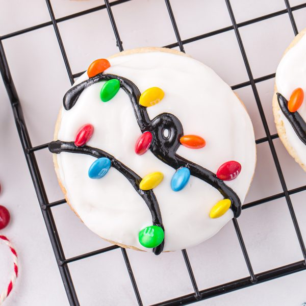 christmas light cookies featured image