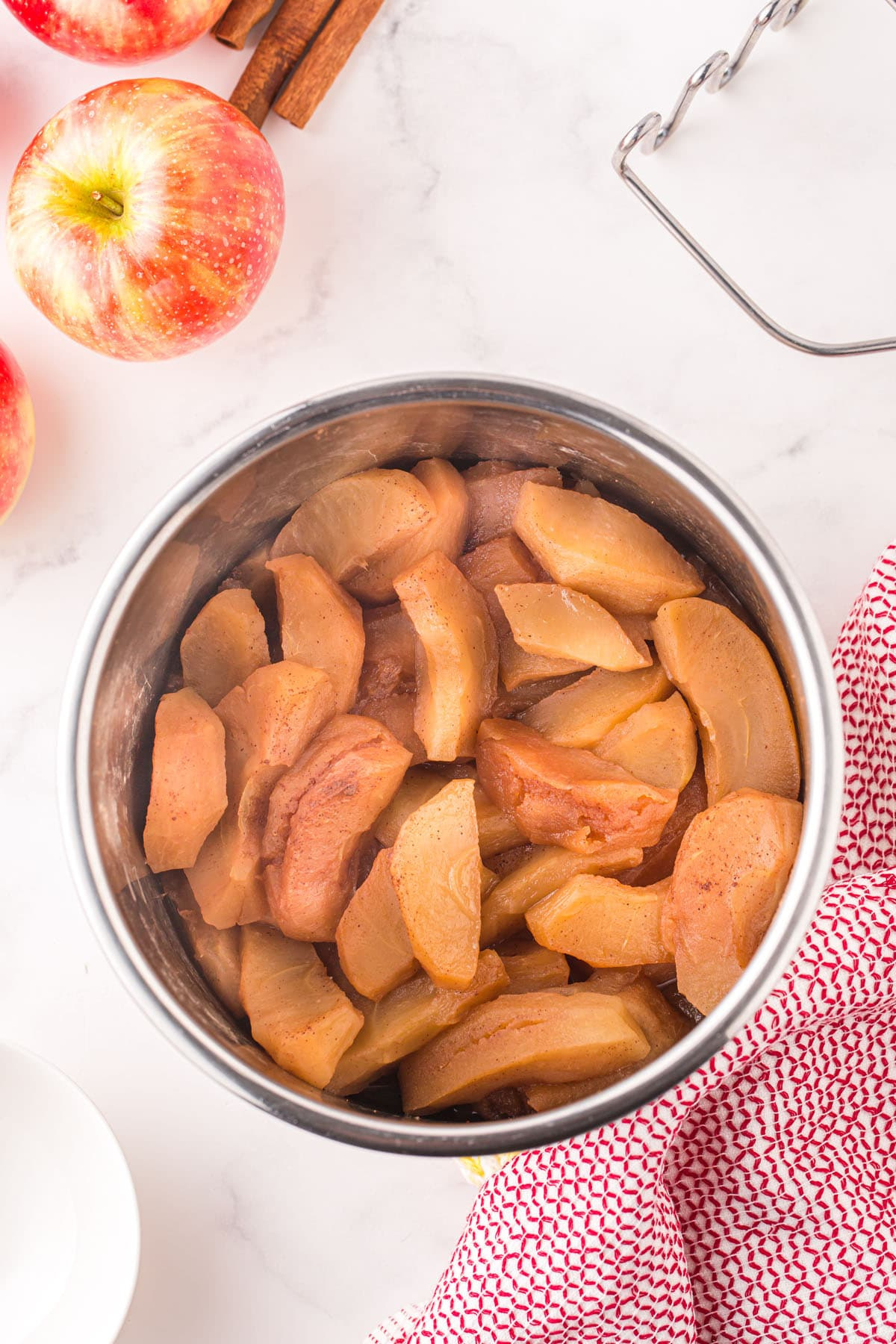 cooked apples in the pressure cooker