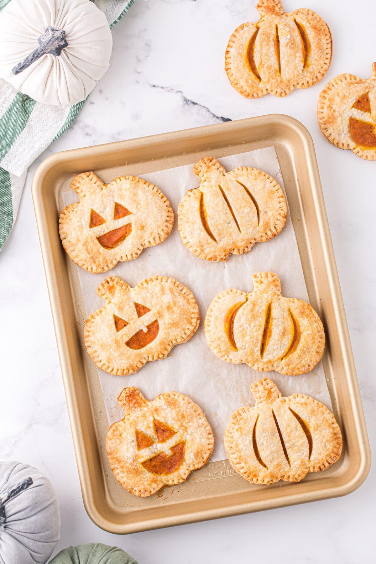 baked pumpkin hand pies