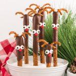Reindeer Pretzel Rods featured image