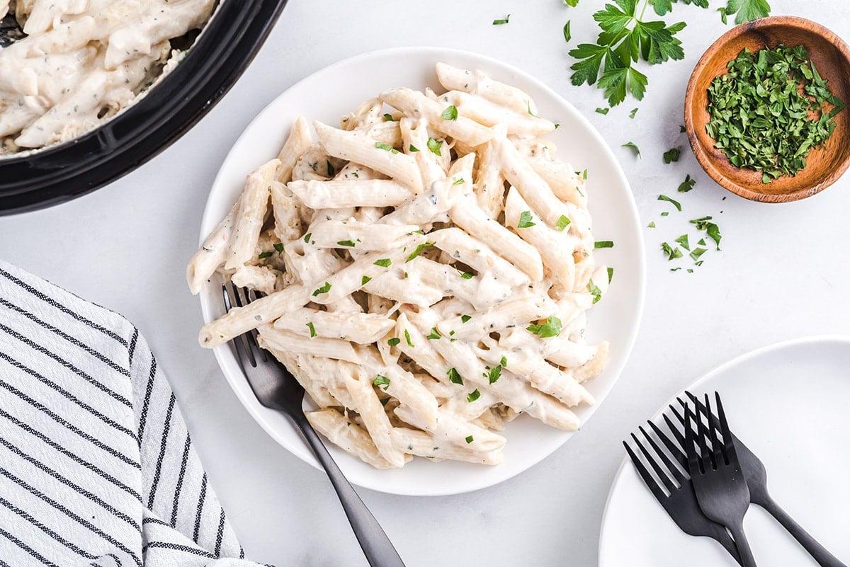 Slow Cooker Olive Garden Chicken Pasta