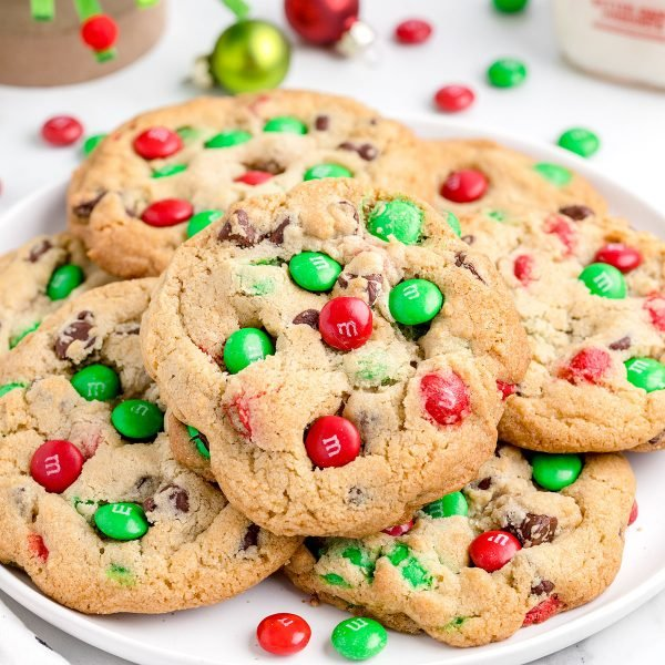 M&M Christmas cookies featured image